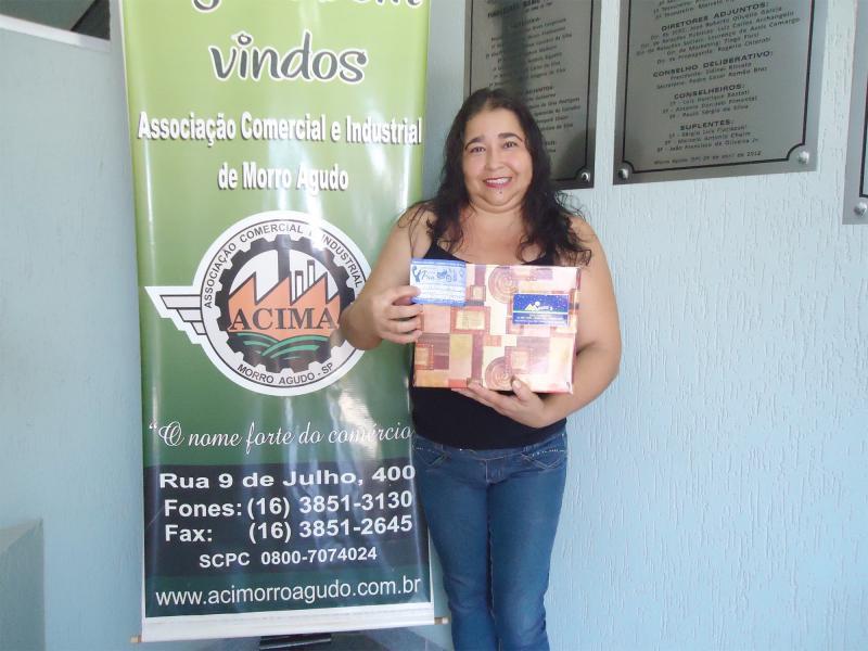 Empresa que doou: Massa´s Restaurante - Ganhadora: Marlene Adriana de Souza - Empresa onde comprou: Aline Modas