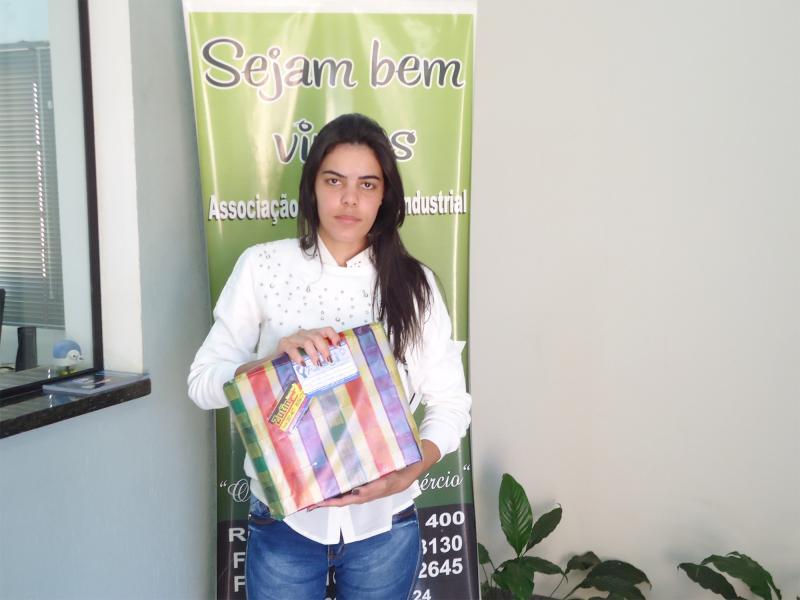 Empresa que doou: Zutin Materiais Elétricos e Hidráulicos - Ganhadora: Emanuely Vitória Dias - Empresa onde comprou: Arje Contabilidade